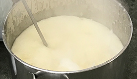 伝統的な釜炊き製法