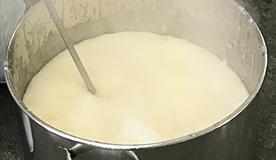 国産馬油100%・釜炊き製法