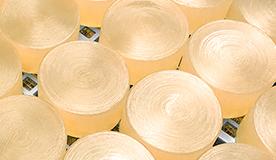 伝統的な釜炊き製法で1つ1つ手作り