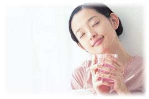 肌本来の潤いを取り戻し、透明感ある健やかな肌へ導かれる