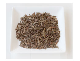 杉茶を独自の完全発酵+亜臨界抽出法で加工しました